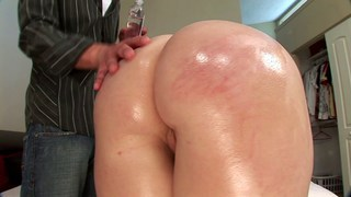 Big ass on a white girl Thumbnail