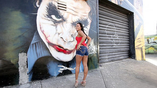 Gianna Nicole showing off her round juicy ass in the streets Thumbnail