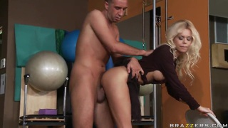 Flexible blondie Barbi Sinclair is fucking Thumbnail