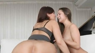 Syren Demer enjoyed a threesome fucking