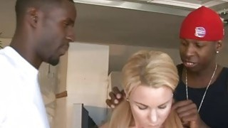 Skanky blonde slut Summer Daniels dped by huge black boners